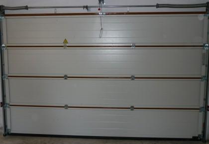Puertas de garaje Navas del Rey
