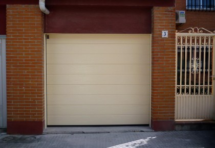 Puertas de garaje Getafe