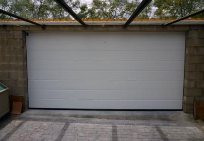 Puertas de garaje en Villalbilla