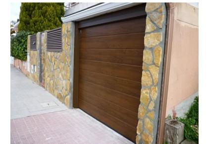Puertas de garaje en Camarma de Esteruelas
