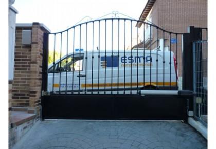 Automatización Puerta Garaje Abatible en Leganés