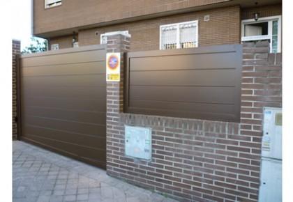 Instalación Puerta Abatible en Boadilla del Monte