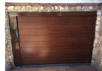 Puerta seccional en Alovera