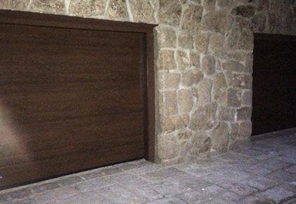 Puerta seccional en Illescas