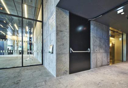 Puertas de acero inoxidable: elige calidad