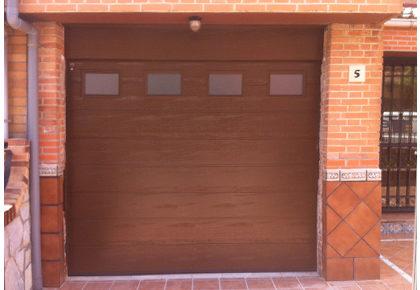 Puerta seccional en Collado Villalba